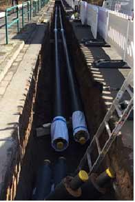Ein Bild, das während der Bauarbeiten aufgenommen wurde: 500 Meter Leitung mussten von der Hochschule zum Hallenbad verlegt werden.