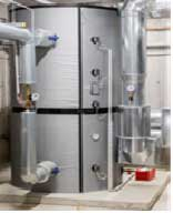 In diesem Pufferspeicher können 3000 Liter warmes Wasser vorgehalten werden.